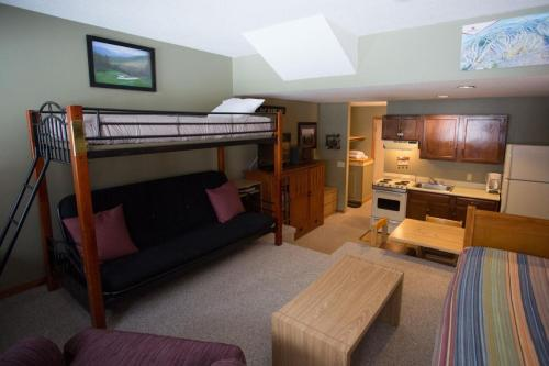 Slopeside: Cascades B-04 - Newry, ME 04261