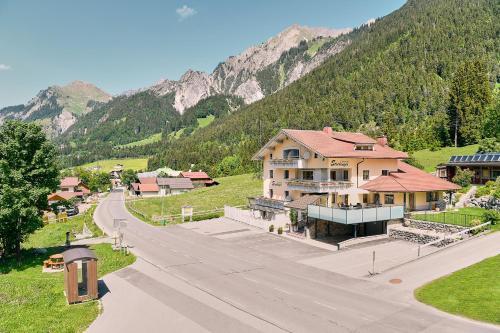 Hotel Garni Stockinger - Accommodation - Klösterle am Arlberg