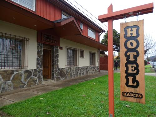 . Hotel Raices