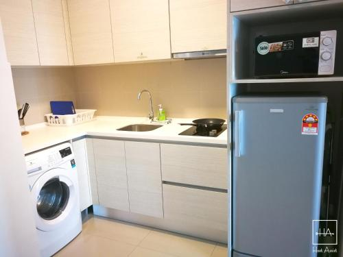 a SPACE apartment @ i-City by HostAssist, Kuala Lumpur