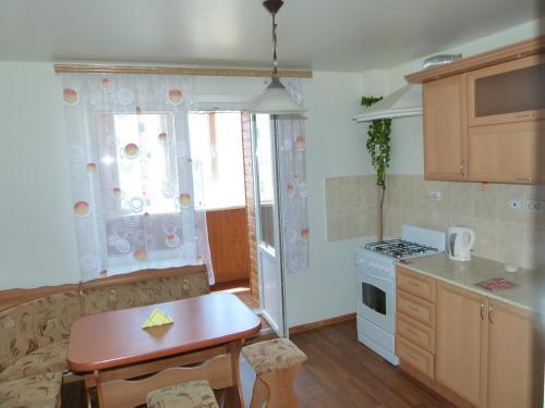 Apartment On Ul. Tel'Mana 150-3