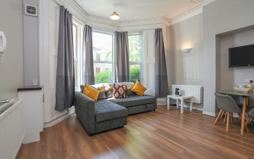 Twenty9, Newly Refurbished 1 Bed Near Queens University