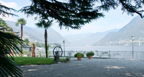 Via Cernobbio, 12 22100 Como CO, Italy.