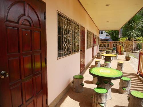 . Khong Chiam Hotel