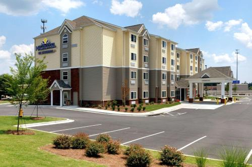. Microtel Inn & Suites by Wyndham Columbus/Near Fort Benning