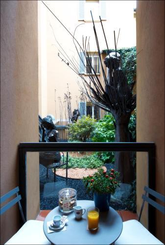 Via de' Fusari, 9, 40123 Bologna BO, Italy.