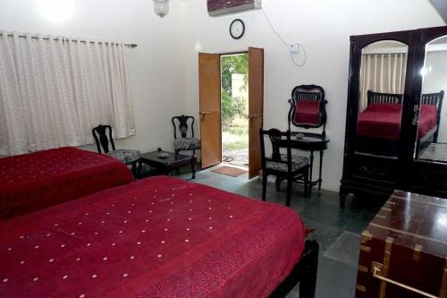 . Sharad Baug homestay