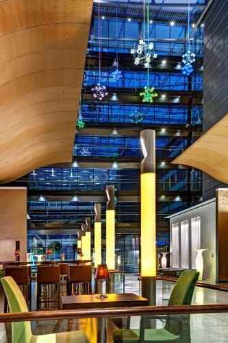 Hilton Frankfurt Airport - image 11