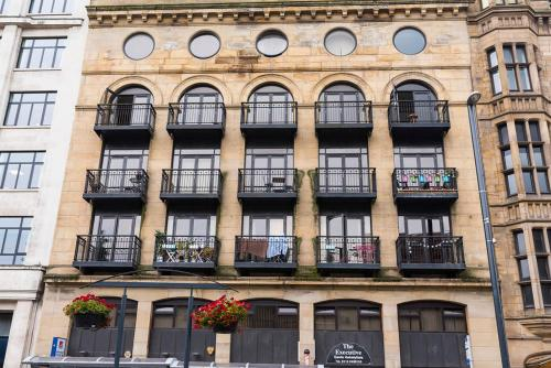 Leeds Hotels, Book cheap hotel accommodation in Leeds with ...