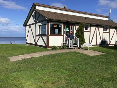 Gîte Au Bord de la Baie - Accommodation - Bouctouche