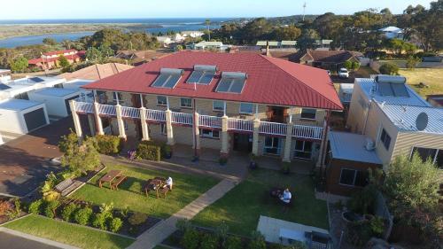 . Baywatch Manor Augusta