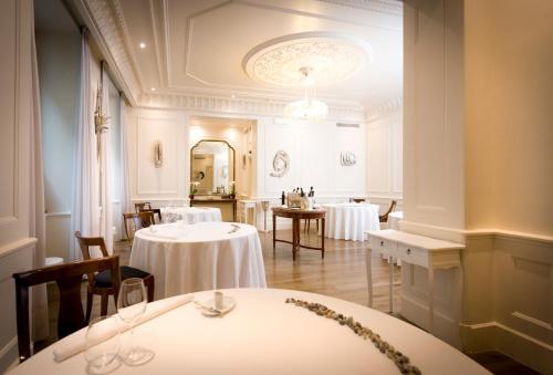 Ristorante La Credenza Facebook : Carignano turin ein guide michelin restaurant