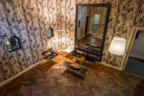 design hotel stadt rosenheim en m nich desde 2 302 trabber hoteles. Black Bedroom Furniture Sets. Home Design Ideas