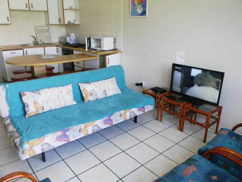 . Dumela Margate Flat No 2