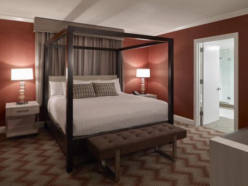 Oxford Casino Hotel - Oxford, ME 04270