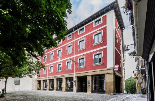 Calle Dos de Mayo, nº 4  31001 Pamplona/Iruña, Navarra, Spain.