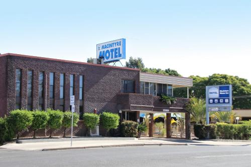 Macintyre Motor Inn