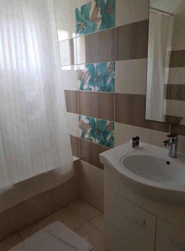 Marianna Hotel Apartments - Photo 3 of 164