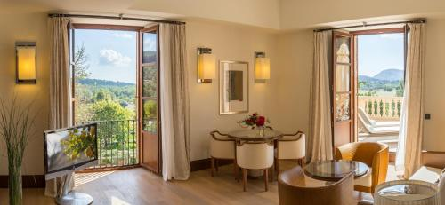 Suite Deluxe Castell Son Claret - The Leading Hotels of the World 3