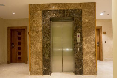 Classical Hotel Suites Main image 2