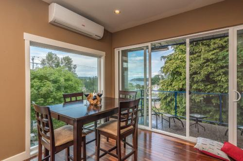 . Luxury Penthouse Downtown Nanaimo