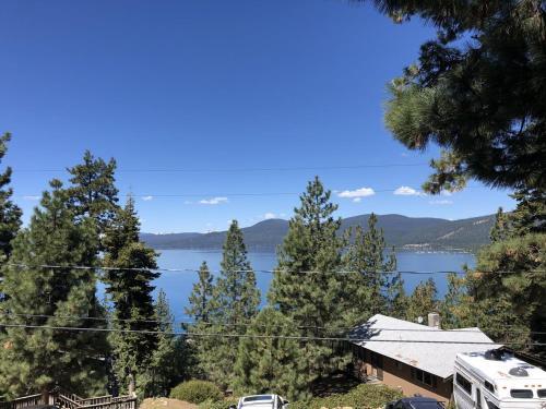 Tahoe Treehouse Lake View Cabin - Kings Beach, CA 96143