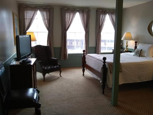 The Charles Inn - Bangor, ME 04401