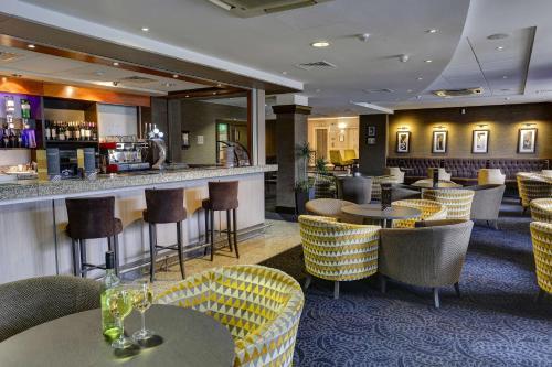 Best Western Manchester Altrincham Cresta Court Hotel - Photo 3 of 66