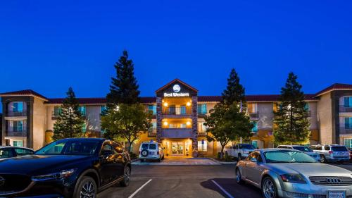 . Best Western Visalia Hotel