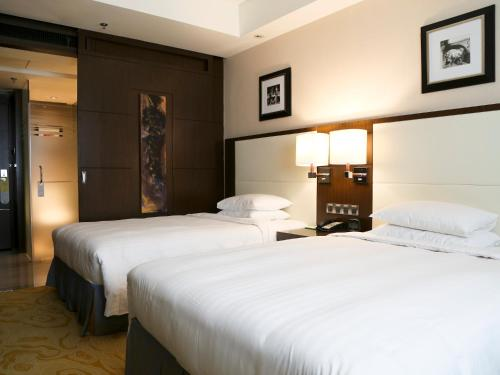 豪華雙人或雙床房 (Deluxe Double or Twin Room)