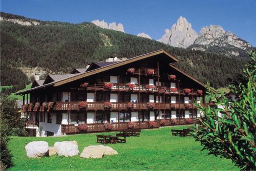 Hotel Anda - Pozza di Fassa
