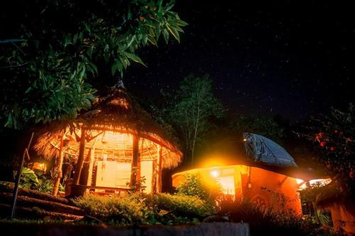 清佬圍屋住宿加早餐旅館 Chiang Dao Roundhouses