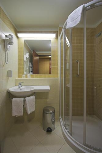 Benczur Hotel photo 35
