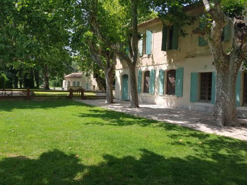 Les Gîtes de Guinot - Hotel - Villeneuve