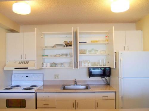 Waikiki Sunset Apartment - Honolulu, HI 96815