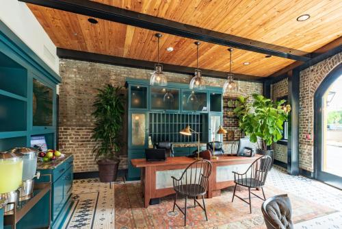 Andrew Pinckney Inn - Charleston, SC SC 29401