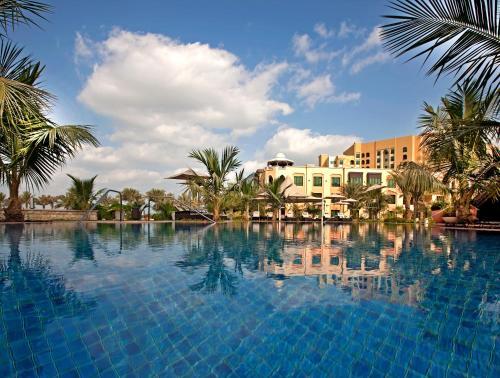 Shangri-La Residences Qaryat Al Beri photo 17