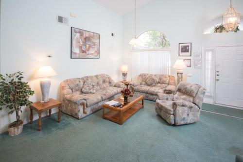Whispering Oaks Villas By IPG