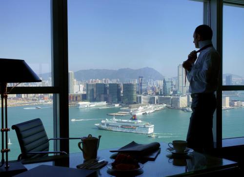 صور غرفة Four Seasons Hotel Hong Kong