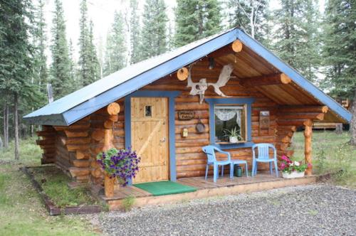 . Fox n Fireweed Cabins