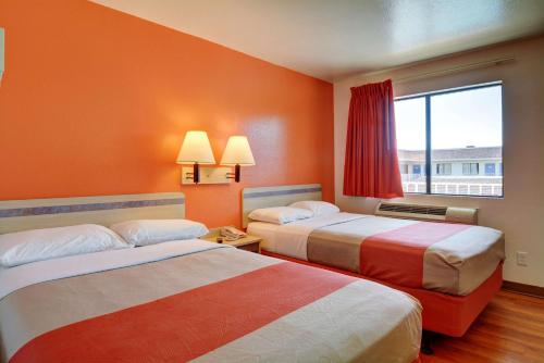 Motel 6 Hartford- Windsor Locks - Windsor Locks, CT 06096