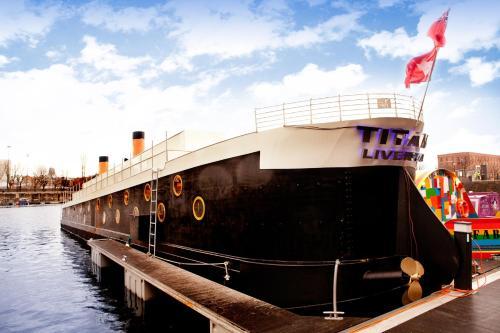 Titanic Boat picture 1 of 30