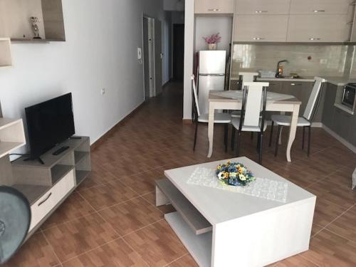 Pajo Apartments, Sarandës