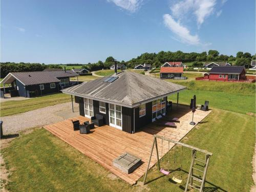 Three-Bedroom Holiday home Nordborg with a room Hot Tub 01