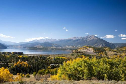 Mountain Country - Silverthorne - Silverthorne, CO 80498