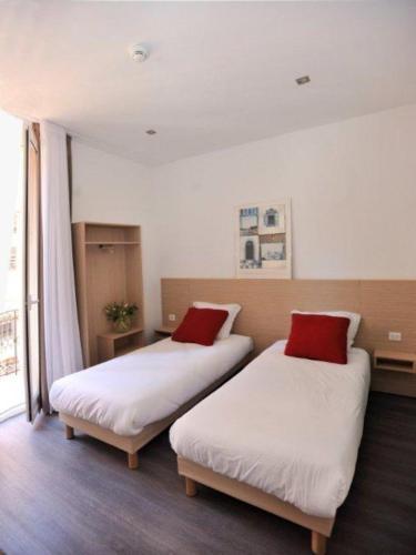 Hotel De France - 20 of 32