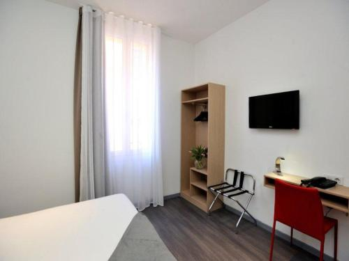 Hotel De France - 1 of 32
