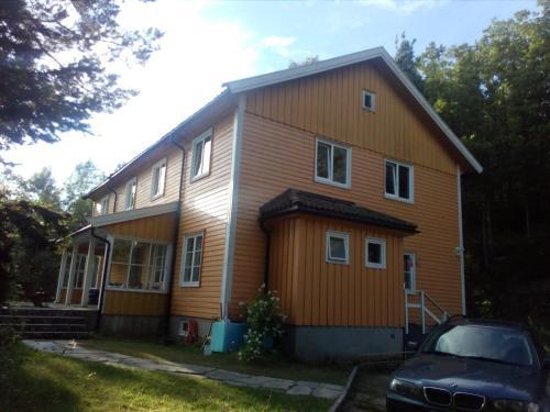 Hunsøya House Garden