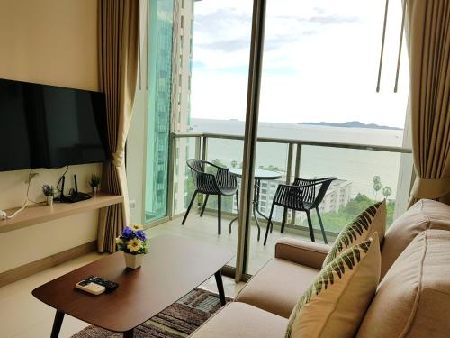 Luxury 1BR Riviera By Pattaya Holiday Luxury 1BR Riviera By Pattaya Holiday