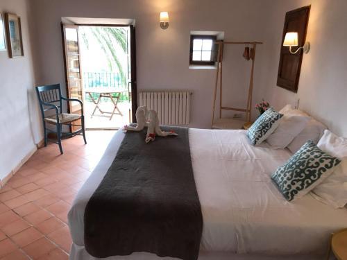 Suite mit Terrasse Finca Hotel Es Castell 2